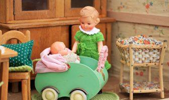 Jak vyrobit domeček pro panenky