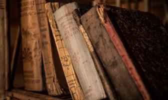 Co se starými knihami