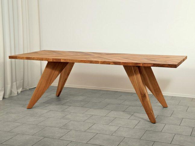 Jídelní dubový stůl z masivu Dylan
